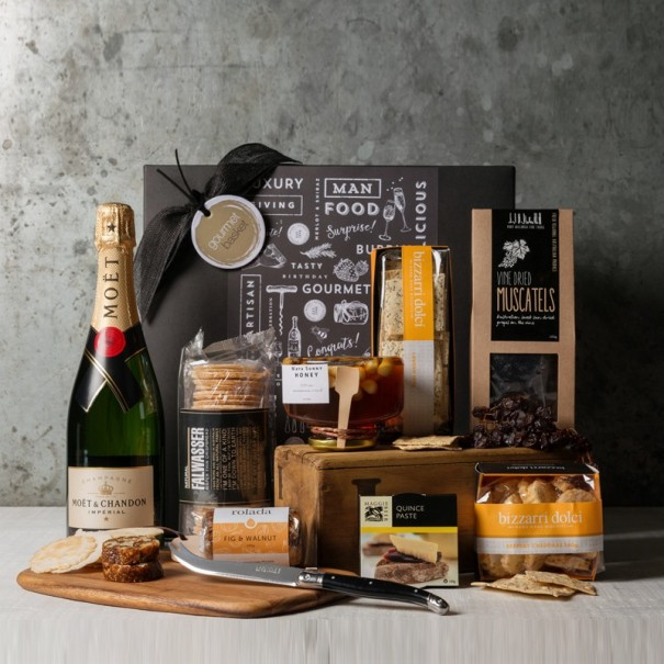 Moet Cheeseboard Celebration Gift Set