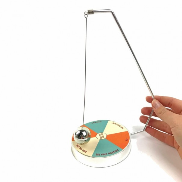 Decision Maker Magnetic Pendulum by Legami Milano